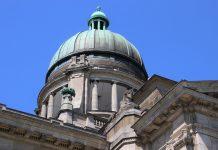 Gerichtsgebäude / Pixabay