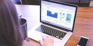 Falsche Google Bewertungen bedrohen Unternehmen / Pixabay